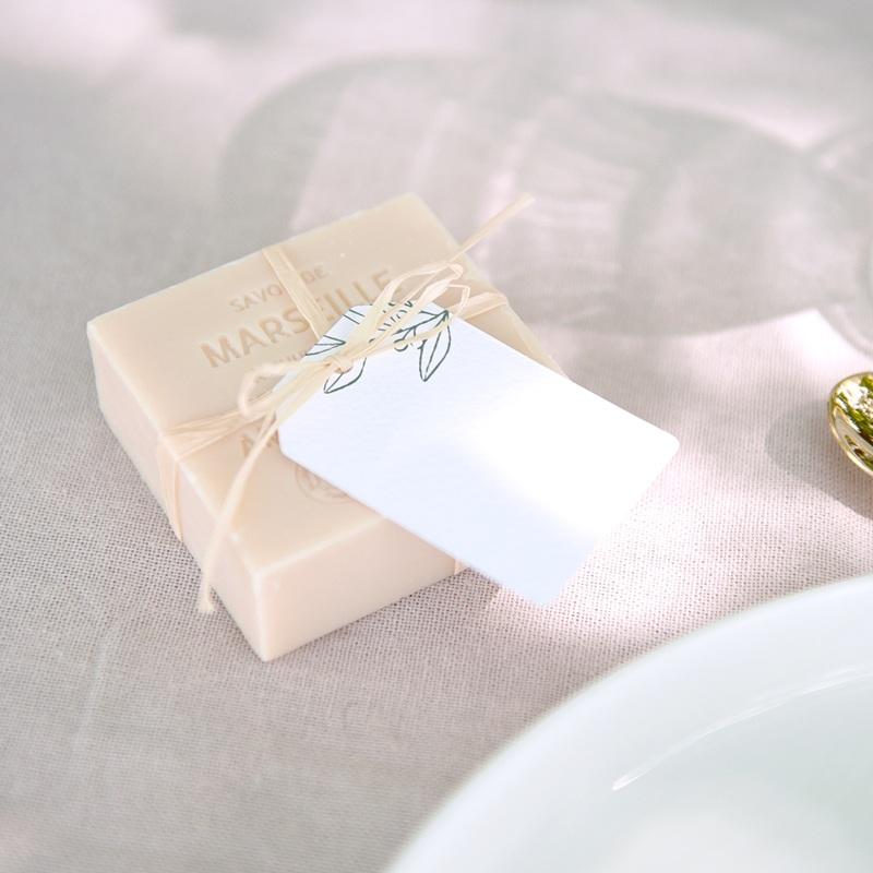 Marque-place mariage Brin Romantique, vert, Invité placé