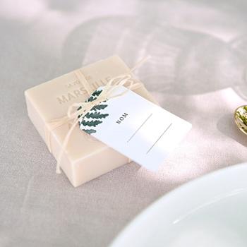 Marque-place mariage Fougères Herbarium, invité placé