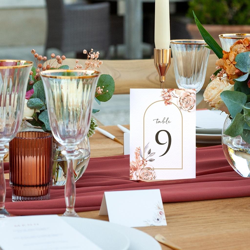 Marque table mariage Arche de roses caramel, 3 repères pas cher